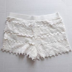Express Cream Tiered Lace Boho Shorts Pull On Sz M